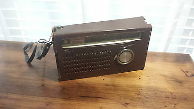 Vintage Retro ~ National Panasonic Portable Radio With Brown Leather Case