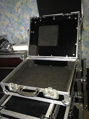 Flight case pour platine vinyls pro type technics mk2 FLIGHT PRO ALU