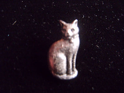 Lovely little pewter cat brooch with green glass eyes