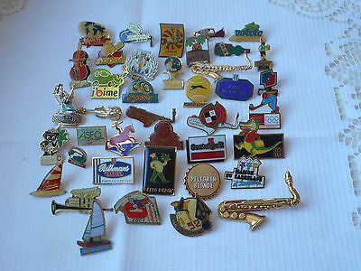 lot of 40 vintage lapel pins / badges / tie pins / brooches