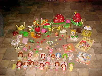 HUGE LOT VINTAGE 80s STRAWBERRY SHORTCAKE DOLLS Playhouse Pieces and Parts