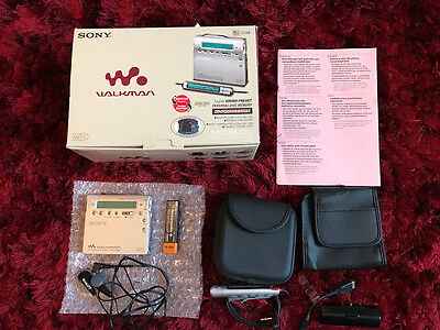 Sony Minidisc Walkman MZ-R900 - Boxed Inc Headphones, Battery and Case