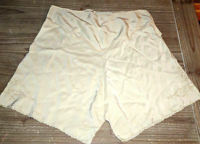 VINTAGE 40S  ORIGINAL SILK BLOOMERS FRENCH KNICKERS TAP PANTS UK 12 WWII unused