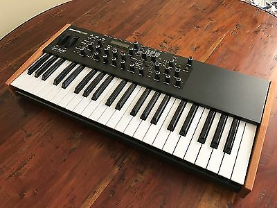 Dave Smith Instruments Mopho Se Analog Synth Special Edition Mint