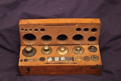 Wooden boxed set of vintage chemist / apothecary brass weights  Baird & Tatlock