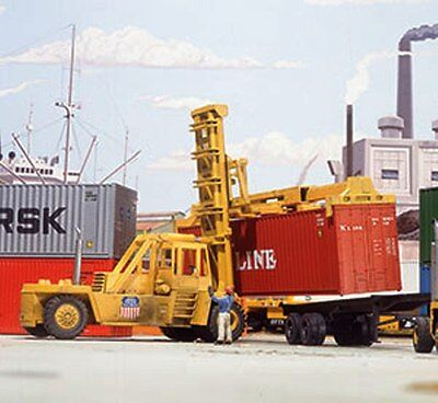 KALMAR Intermodal Container Crane Forklift KIT HO 1/87 Scale Walthers 3109