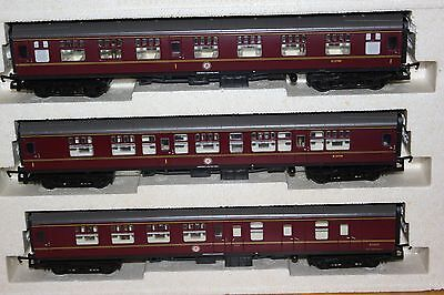 Hornby Made In Gb Rake Of 3 Br Mk1 Coaches Ex R2032 'the Midlothian' Train Pack