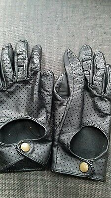 Ladies black leather gloves small