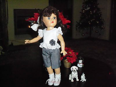 "Pretty Eyelet and Gingham Set for Toni 14"" Doll"