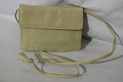 29e47c0af136 VINTAGE BOTTEGA VENETA Ivory Leather Shoulder Bag