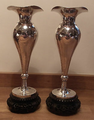 Good Pair Of 19Th Century Chinese Export Silver Vases & Wooden Bases - Yok Sang