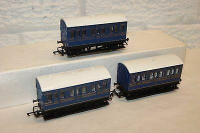 OO gauge GOOD/EXCELLENT 3x Hornby 4 wheel Coach Caledonian Blue Livery