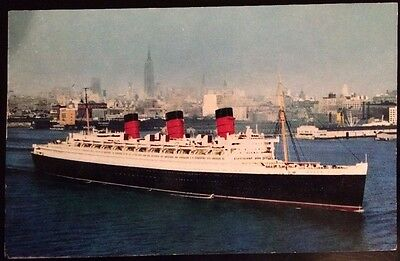 R.M.S. QUEEN MARY. Postcard.