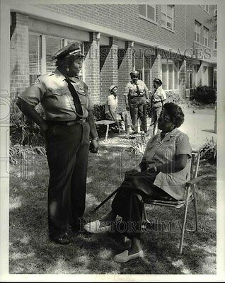 1985 Press Photo Police Cleveland Auxillary King-Kennedy, Lillie Oliver,