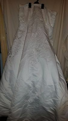 Vintage ?wedding Dress Strapless Alfred Angelo Netted Under Beads/train 44 Chest