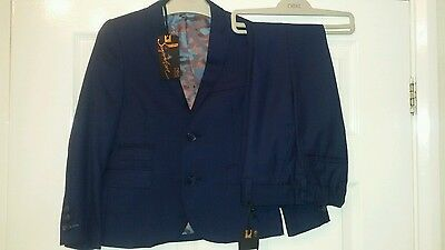 Boys NEXT Navy suit 7 years BNWT