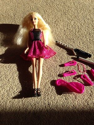 Curl Style Barbie