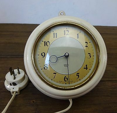 Vintage Retro Smiths Sectric Wall Kitchen Clock Made In England Metal Casing