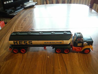 Vintage 1977 1978 Green Hess Tanker Truck Collectible