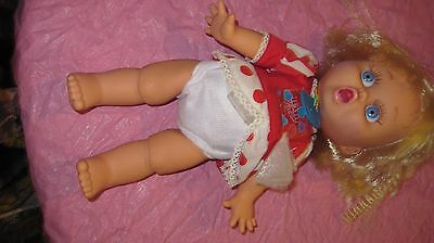 Galoob  Baby Face Doll  So Surprised Suzie  Original shirt
