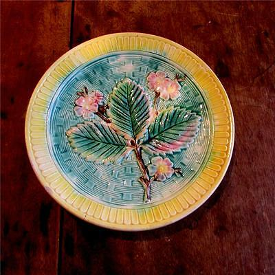 Antique  Majolica  Leaf  Plate