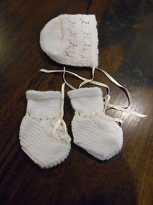 Newborn Baby's Ivory Bootees And Bonnet Set, Matches Dress & Jacket. Size 0000.
