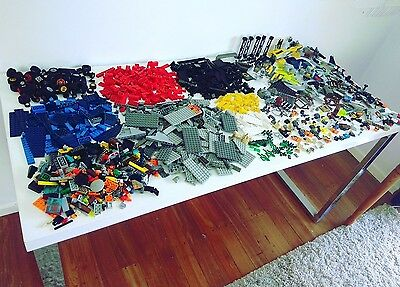 Lego 3kg of Assorted Bulk - incl parts from Star Wars and Agents and manuals