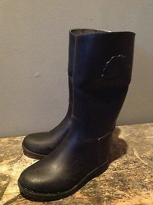 Childs rubber riding boots size 9
