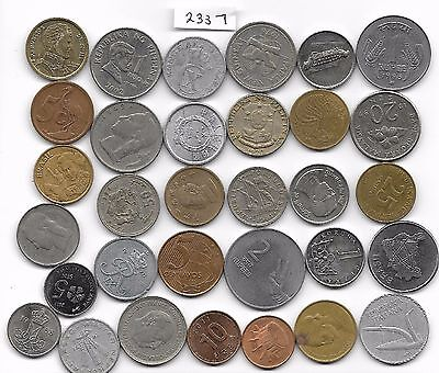 WORLD x 30 Mixed Coins all Differant