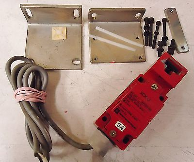 Telemecanique Xck-J Iec337-1 Nfc 63-140 Limit Switch Listed 170M, A30 Safety Int