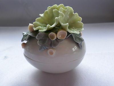 Chessell pottery mini trinket pot with pale green flowers