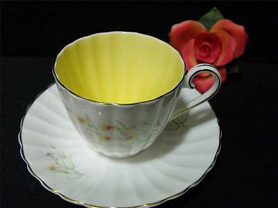 English 'susie Cooper ' Bone China Teacup & Saucer Set Signed England So Nice