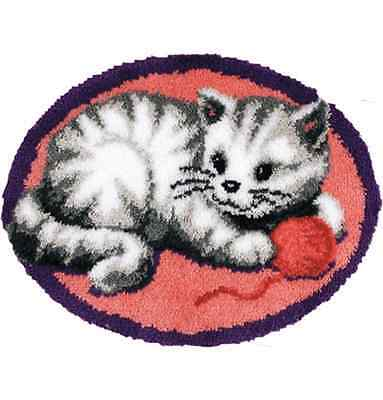 Playful cat Printed Canvas Latch Hook Rug Kit - Rug Making - Everything included