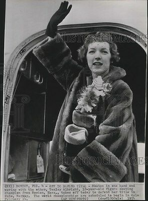1954 Press Photo Tenley Albright, figure skating champion, takes off to Norway