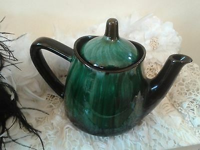 Vintage Blue Mountain Pottery BMP green and black teapot, Canada 1970s
