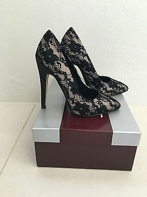 BN Size 5 Lace Evening Shoes