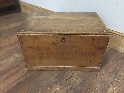 Antique Wooden Trunk Chest Coffee Table / Storage Log Box