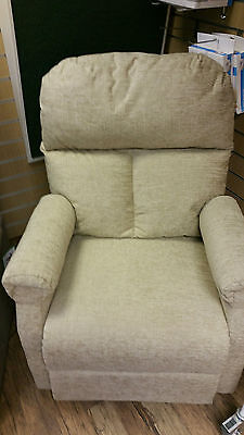 EX DEMO Pride LC101 Rise and Recline Chair