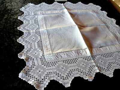 Vintage Filet Hand Crochet White Linen middle ~ Square Centrepiece/Mat
