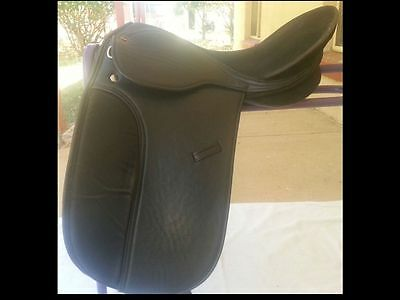Dressage Saddle with Changeable Gullet