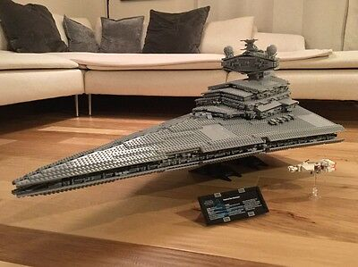 Lego Star Wars 10030 UCS Imperial Star Destroyer MINT CONDITION w/ Instructions