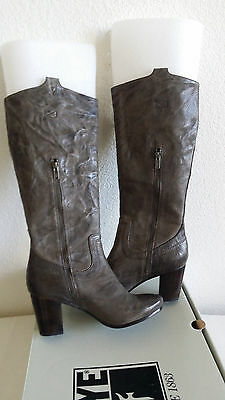 New Frye carson mid heel tab charcoal soft leather boots. Sz7. RT$398.
