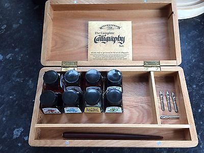 Winsor and Newton Calligraphy Wooden Box