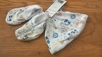 baby bnwt boys 0-3 months hat and booties.will refund excess post cost.