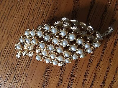 Large Vintage Gold Tone Leaf Brooch With Faux Pearls