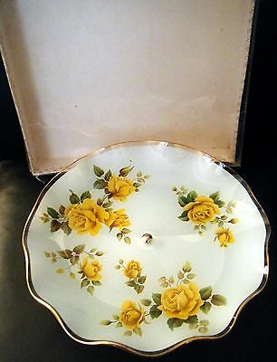 CHANCE GLASS YELLOW ROSE COMPORT PEDESTAL CAKE STAND c1981