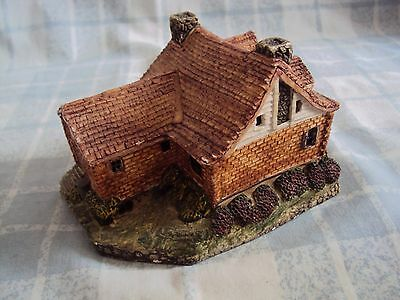 Collectable pottery / Ceramic Model Cottage
