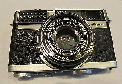 Fujica 35-SE Rangefinder Camera with Fujinon 45mm f/1.9 lens and Leather Case