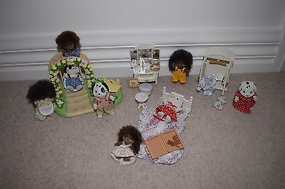 Sylvanian Families - 2 families and 2 furniture sets