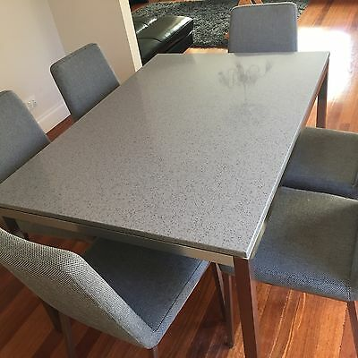 Dining table and chairs Freedom marble look